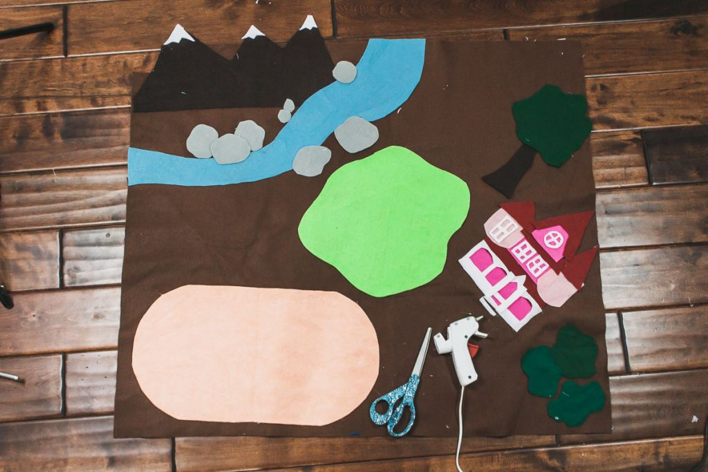 how to make a felt play mat for toys