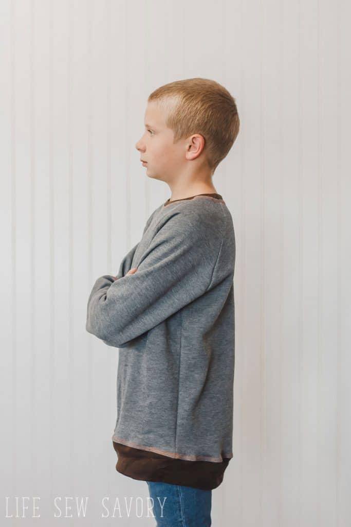 raglan oversized sweatshirt