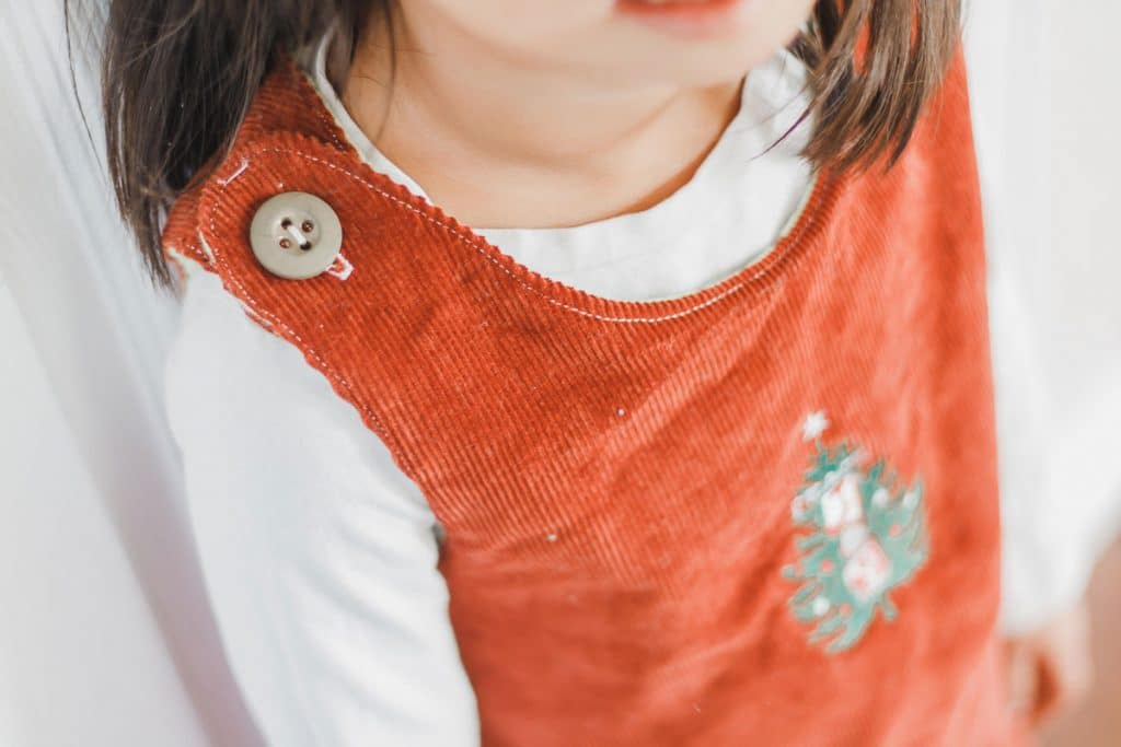 button shoulder pinafore free pdf pattern