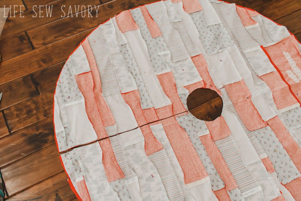 sew a tree skirt for christmas