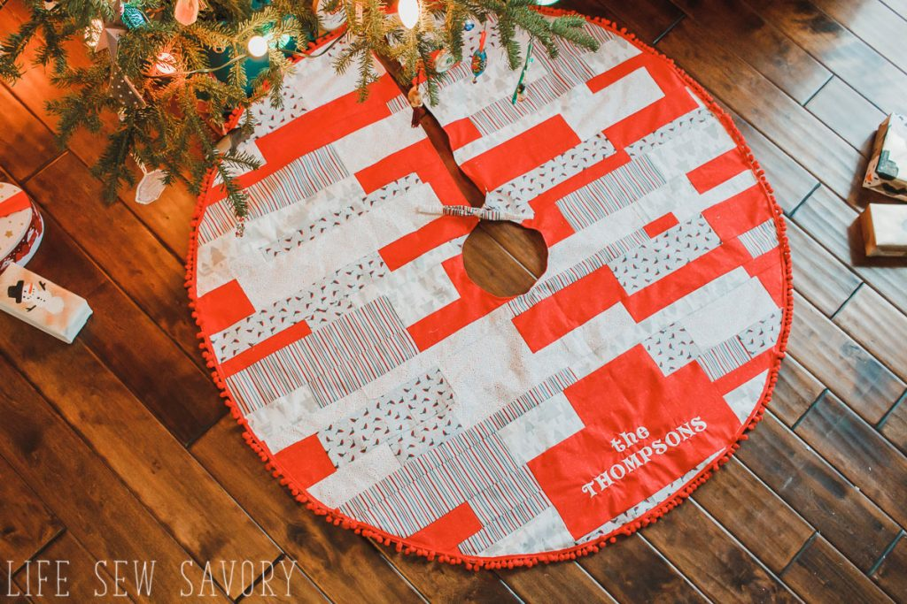 Sew a Christmas Tree skirt with fabric