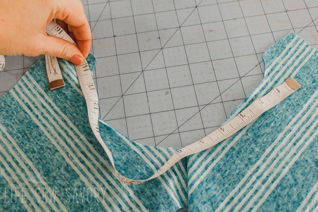 measure the open neckline