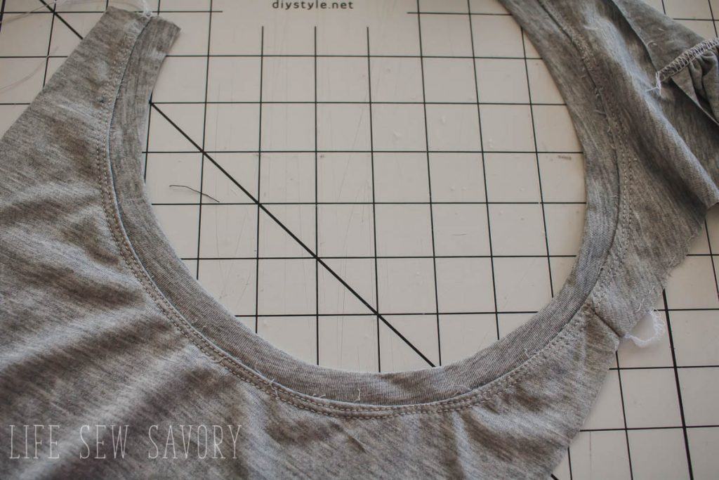 tank neck band sewing steps
