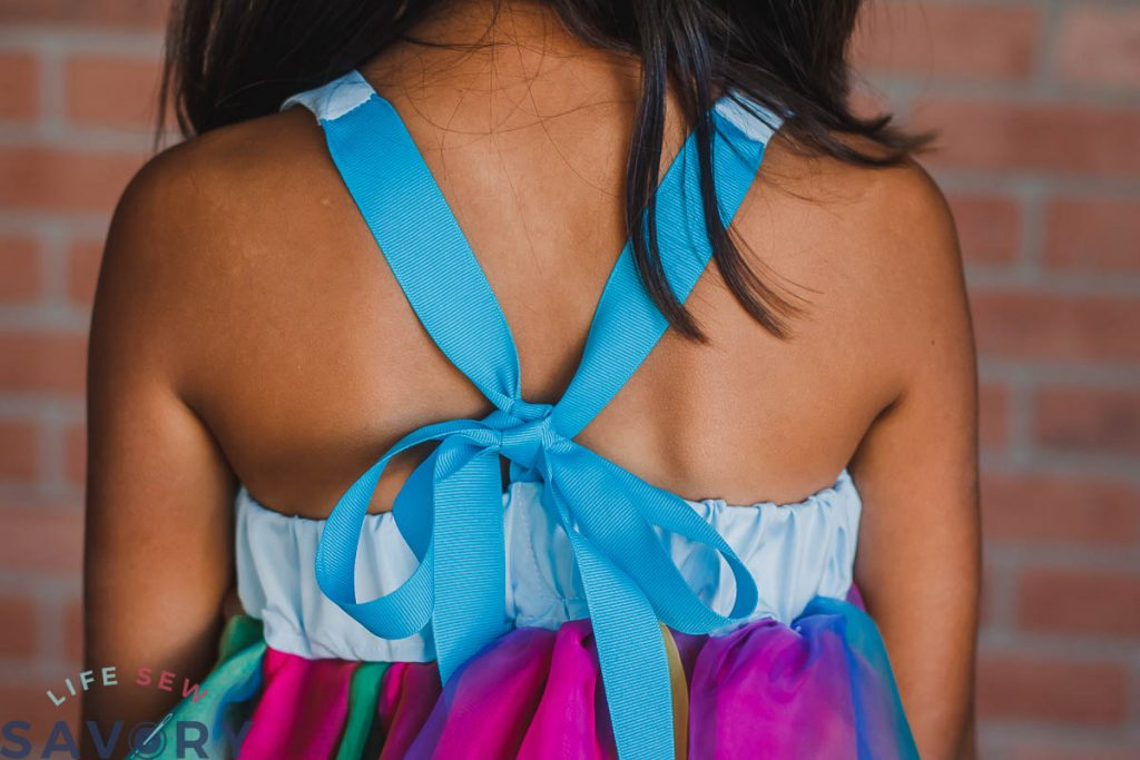 back tie bow of dress