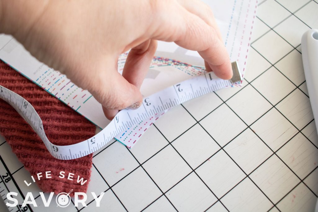 measure the neckline for turtle neck length