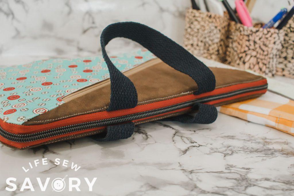 long zipper on laptop case