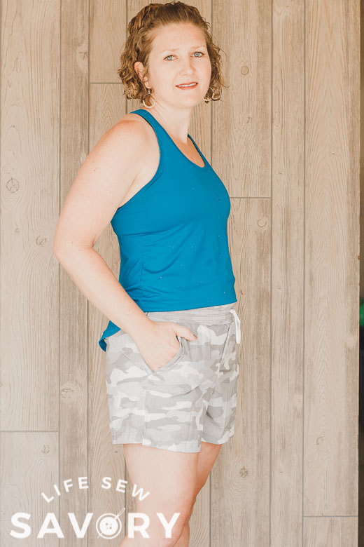 shorts with stretch woven fabric