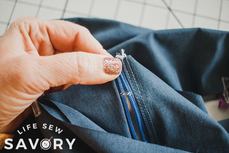 keep zipper top together