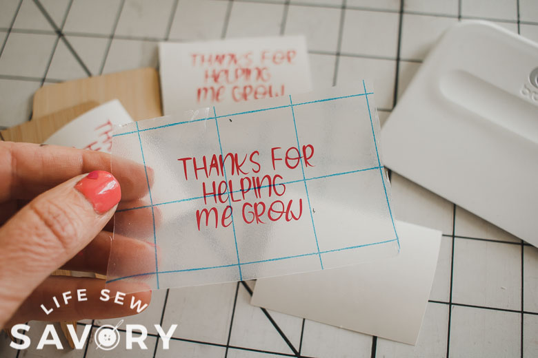 lift text from vinyl cutting sheet with transfer tape